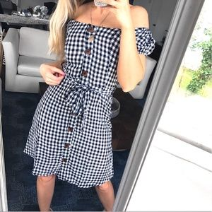 🆕 BLACK WHITE GINGHAM OPEN SHOULDER BUTTON DRESS